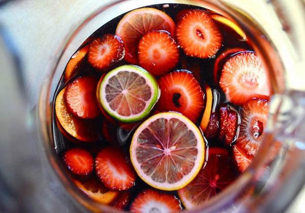 Рецепт Сангрия из красного сухого столового вина. Приготовление   блюда