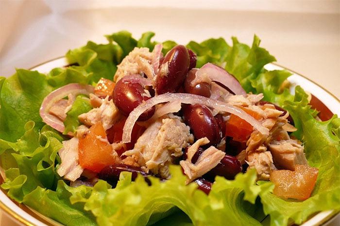 Рецепт Салат с фасолью и тунцом