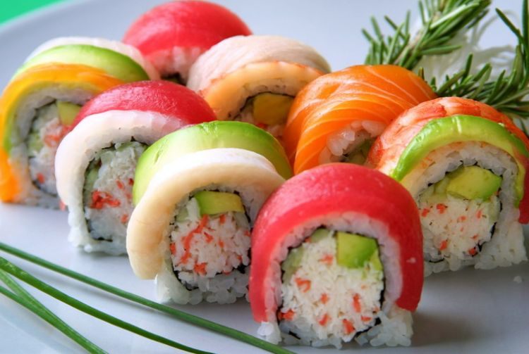 """Рецепт Суши ролл """"Радуга"""" (Rainbow)"""