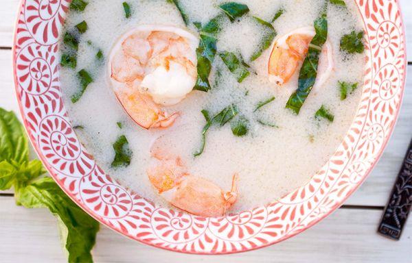 Рецепт Острый суп с креветками на кокосовом молоке