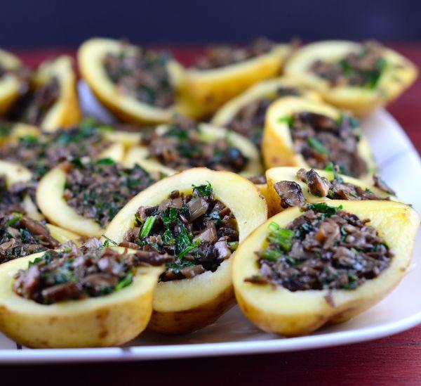 Рецепт Картошка запеченная с грибами в духовке