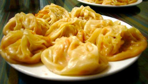 Рецепт Казахские манты с тыквой и луком