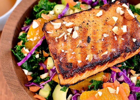 Рецепт Теплый салат с красной рыбой и апельсинами