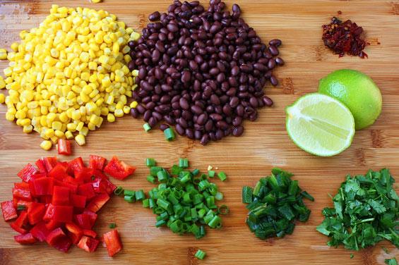 Салат с красной фасолью и киноа