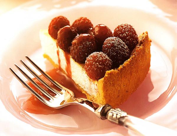 Рецепт Малиновый пирог с меренгой