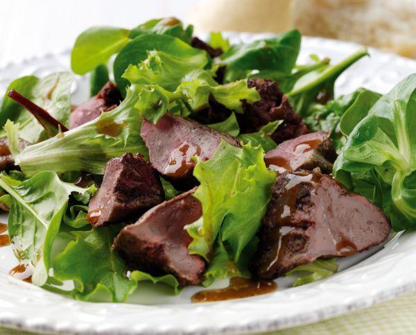 Рецепт Теплый салат из говяжей печени со шпинатом