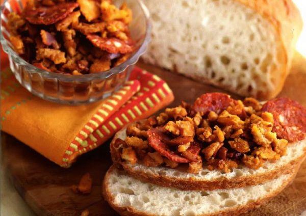 Рецепт Испанский жареный хлеб с беконом (Мигас)