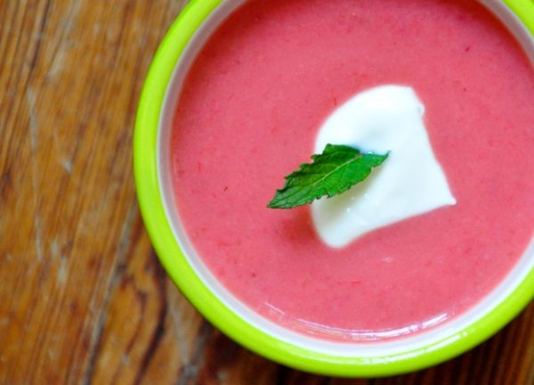 Рецепт Сладкий клубничный суп с ревенем