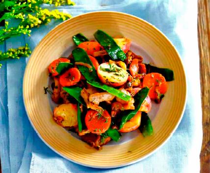 Рецепт Фрикасе из курицы с весенними овощами