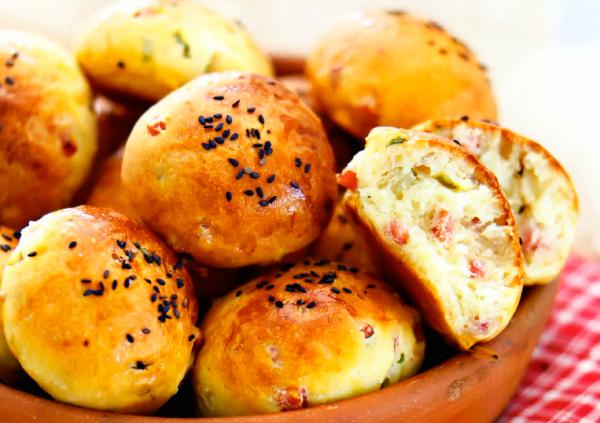 Рецепт Австрийские дрожжевые булочки с ветчиной