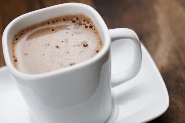 Рецепт Шоколадное какао с миндальным молоком