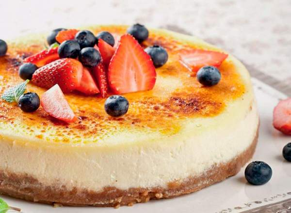 Рецепт Творожный чизкейк с ягодами