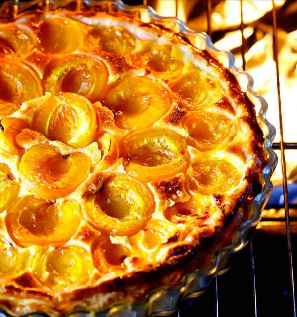 Рецепт Прованский пирог с абрикосами и миндальным кремом