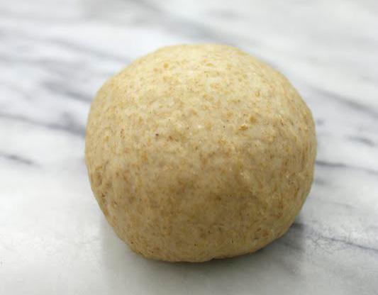 Вкусная пицца тонкая с грибами на сковороде