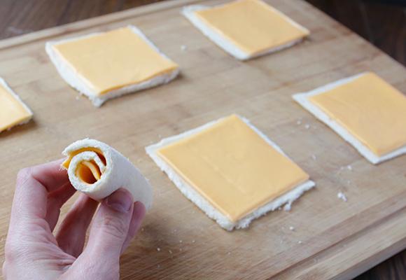 Жареные булочки с сыром