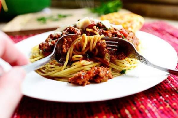 Спагетти болоньезе (Итальянский соус мясной)
