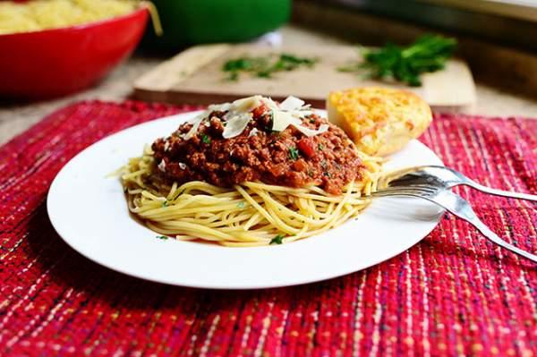 Рецепт Спагетти болоньезе (Итальянский соус мясной)