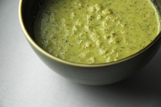 Рецепт Вегетарианский суп пюре из брокколи в мультиварке