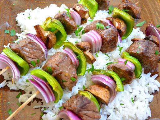 Вкусный шашлык из говядины в ростере