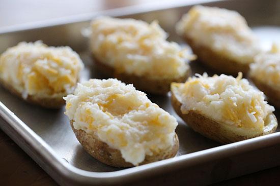 Фаршированный картофель с брокколи