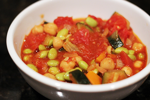 Рецепт Овощное рагу с кабачками, нутом и эдамаме