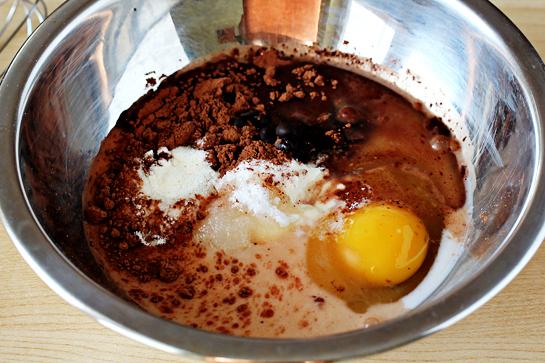 5 минутный шоколадный пирог в кружке в микроволновке
