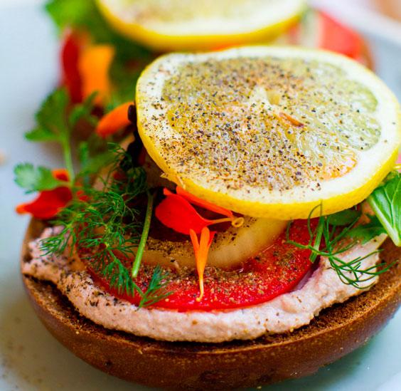 Рецепт Вкусные бутерброды с помидорами