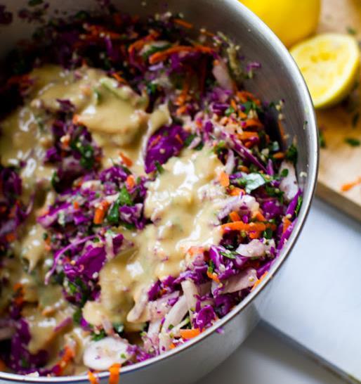 """Салат из капусты с огурцом и морковью """"Радуга"""""""