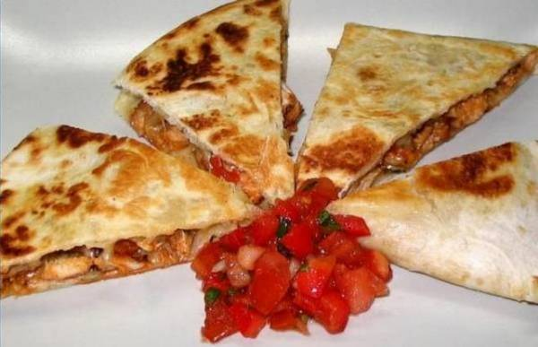 Рецепт Кесадилья с курицей (Мексиканский пирог с курицей)