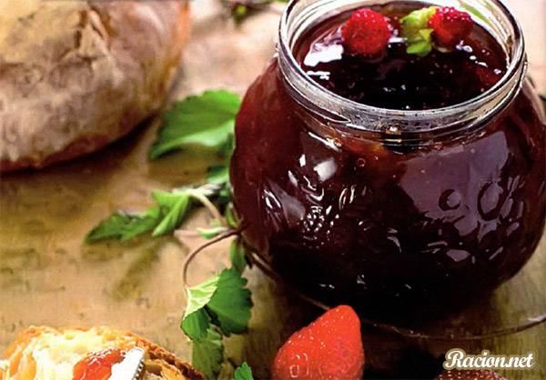 Рецепт Вкусный домашний джем из земляники «Ароматный»
