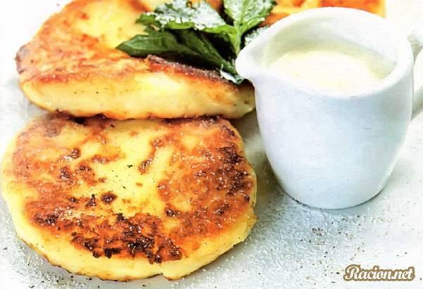 Рецепт Вкусные сырники с ванильным соусом