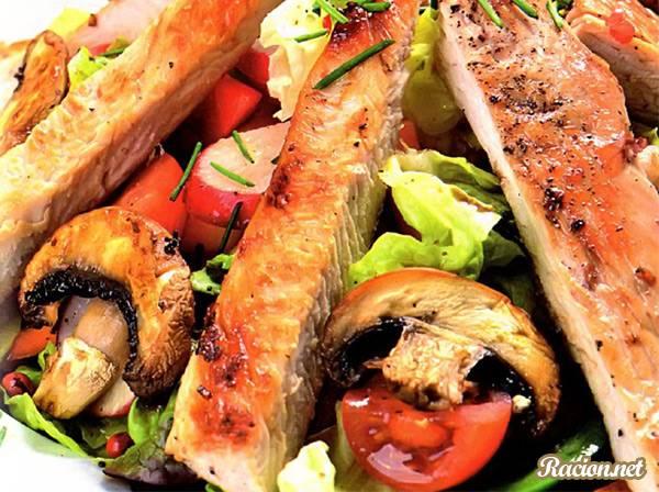 Рецепт Теплый салат с индейкой гриль
