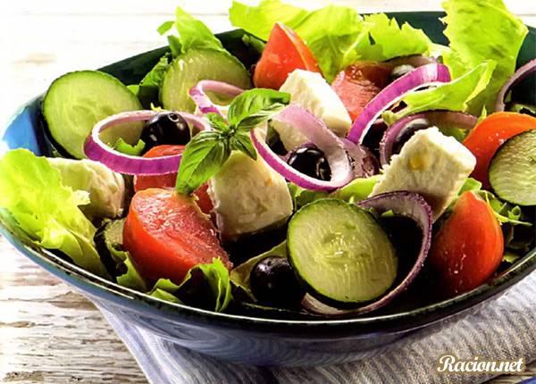 Рецепт Салат из огурцов и помидоров