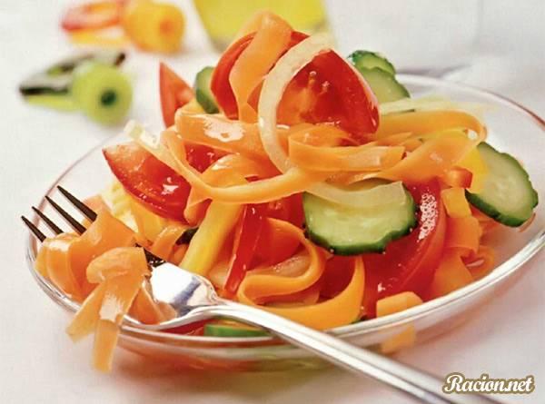 Рецепт Летний салат с маринованной морковью