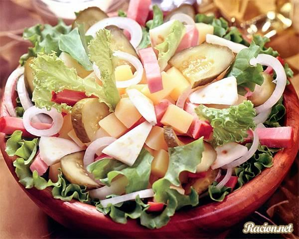 Рецепт Салат с ветчиной и картофелем