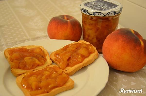 Рецепт Персиковое варенье с коньяком