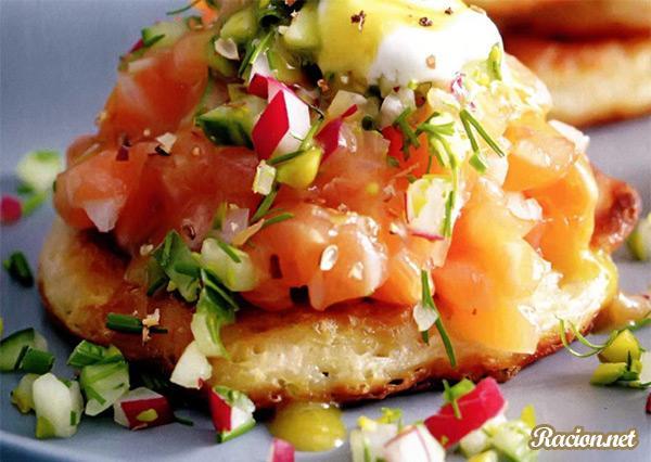 Рецепт Блины с тартаром из лосося
