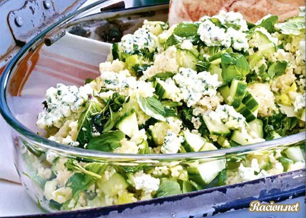 Рецепт Салат из кускуса с мятой и зерненым творогом