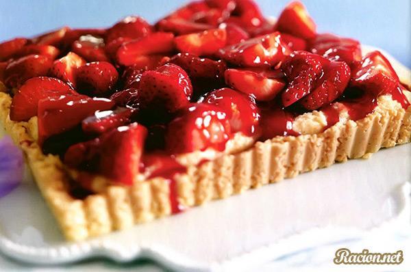 Рецепт Клубничный торт со сдобным печеньем