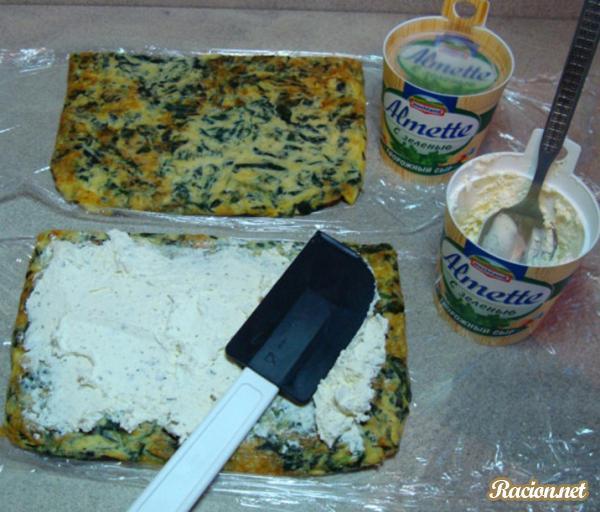 Роллы с семгой в сырном блинчике