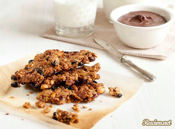 Рецепт Гранола с орехами и шоколадной пастой