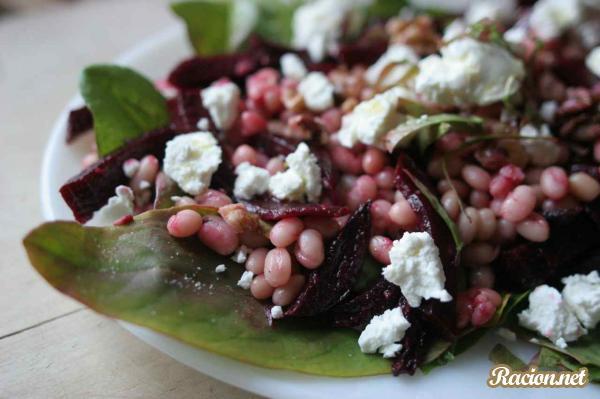 Рецепт Салат с фасолью, свеклой и щавелем