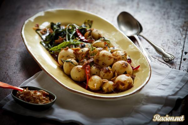 Рецепт Жареная репа с креветками, чили, чесноком и лаймом