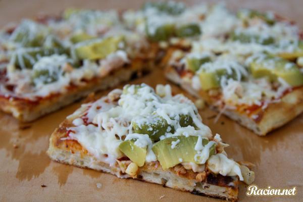 Рецепт Быстрая пицца на сковороде с авокадо
