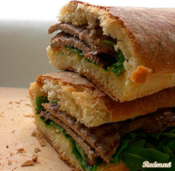 Рецепт Сэндвич с говядиной и рукколой