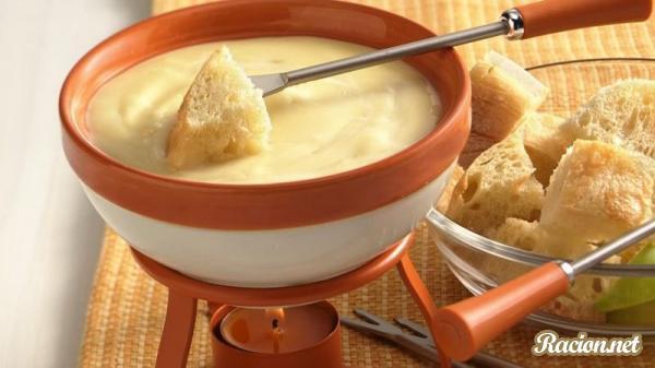 Рецепт Фондю сырное в домашних условиях