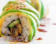 Суши ролл с угрем и авокадо
