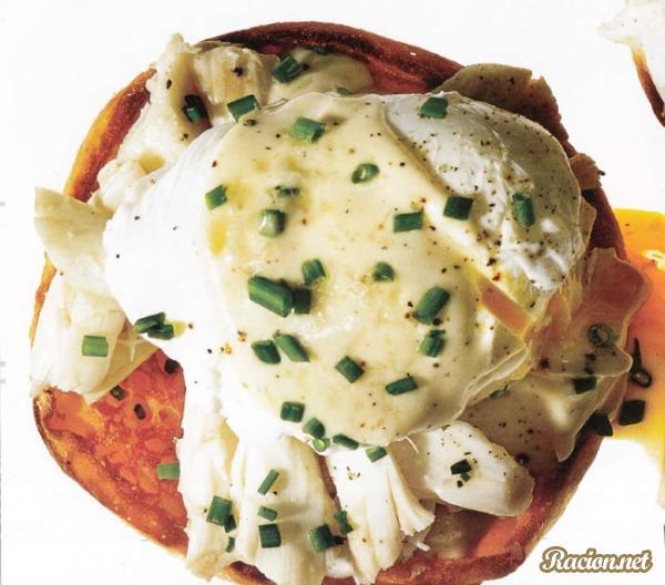 Рецепт Яйца Бенедикт с крабовым мясом