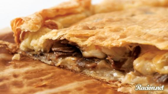 Рецепт Пирог с шампиньонами и сыром