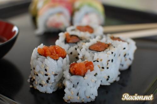 Рецепт Острый суши ролл с тунцом